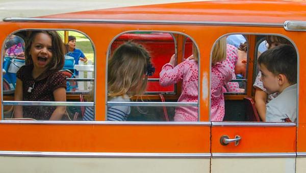 Minibus - Le Cirque Parisien, Governor's Island, New York