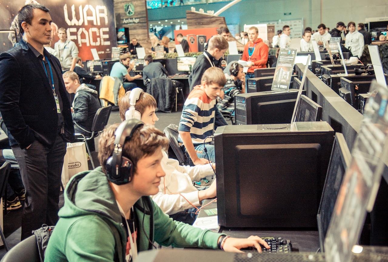 Gamers at Igromir 2013