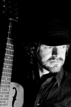 Arne Olav L. Hageberg gitarist/songar/låtskrivar