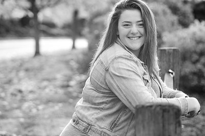 curbow photo - Callie HS Senior BW-6