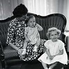 Mrs. Robert Taylor and Children  VI  (09189)