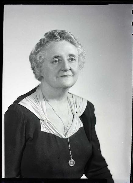 Mrs. John Craddock  VI  (06910)