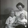 Mrs. Vernon Giles and Children II  (06835)