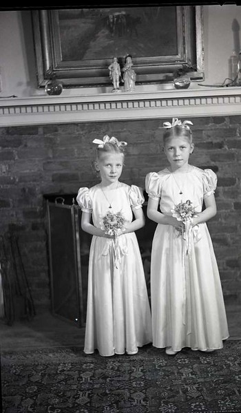 Mrs. W. M. Whitehead's Two Daughters  V  (06900)