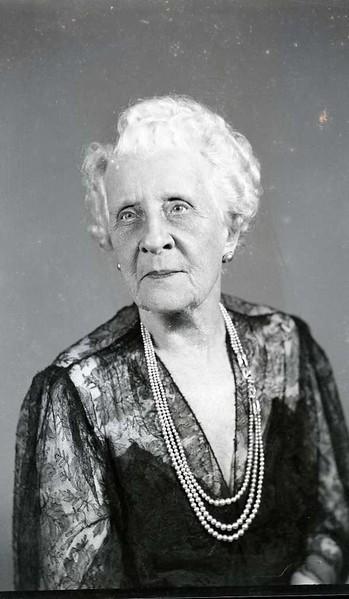 Lola G. Apperson  I  (06984)