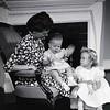 Mrs. Robert Taylor and Children  VIII  (09191)