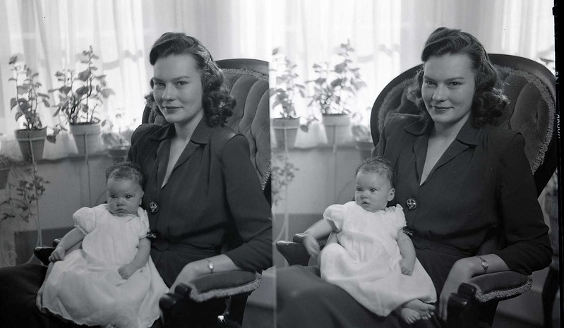 Mrs. R. G. Bailey and Child  I  (06978)
