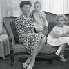Mrs. Robert Taylor and Children  VII  (09190)