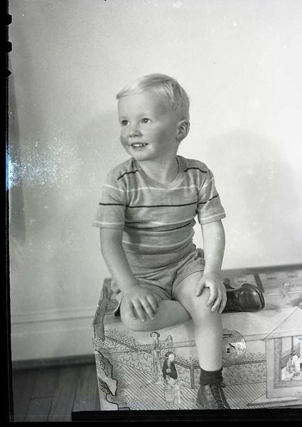 Mrs. W. M. Whitehead's Child (10 of 10)  (06933)