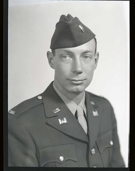 Lieutenant Herbert Watts in Uniform  I  (06958)