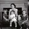 Mrs. Langhorne Austin and Children  I   (09303)