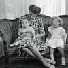 Mrs. Robert Taylor and Children  IX  (09192)