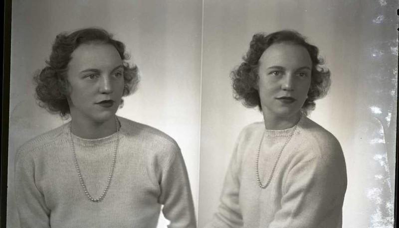 Mrs. Vernon Giles II  (06838)