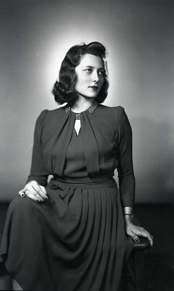 Mrs. Cary Barker III  (06794)