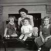 Mrs. Langhorne Austin and Children  VI  (09308)