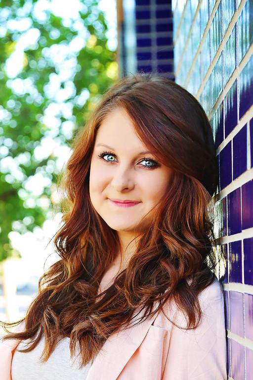 Hannah Hicks Senior Portraits