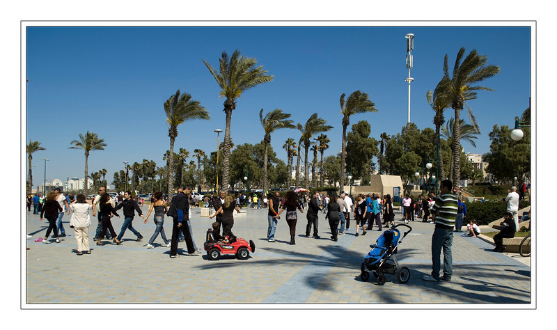 Weekly dancing on Ashdod's beach