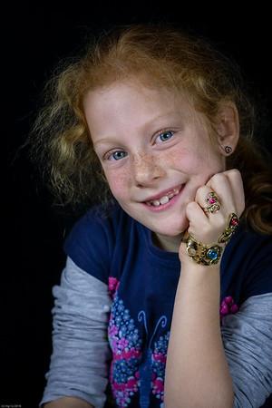 """Das Magische Armband"" / ""The Magic Bracelet"""