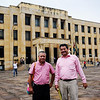Since 2000, David Ravelo and the other members of the board of directors of CREDHOS have benefited from precautionary measures of the Inter-American Human Rights Commission. Here, two CREDHOS members outside the Palace of Justice in Bucaramanga, where the trial against David Ravelo is taking place.