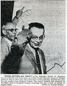 James D. Wright with City Manager Robert D. Morrison (4141)