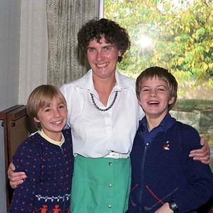 Ruth Hudson, Jean Smythe [Jim's wife] and Richard Hudson [Ruth's brother], Calgary : autumn 1986