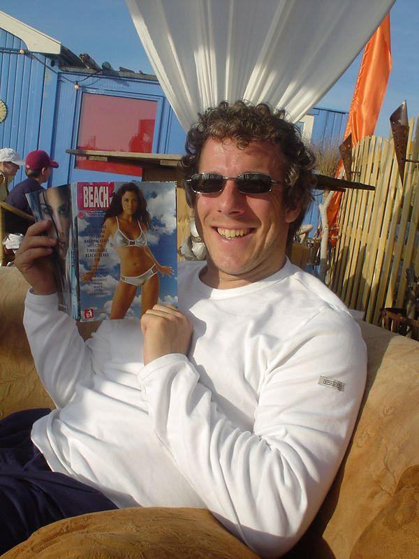 "Summer in the City... Den Haag, <a href=""http://www.strandtentsoomers.nl/"">Soomers beach club on the Noorderstrand</a> in Scheveningen. June 2003"