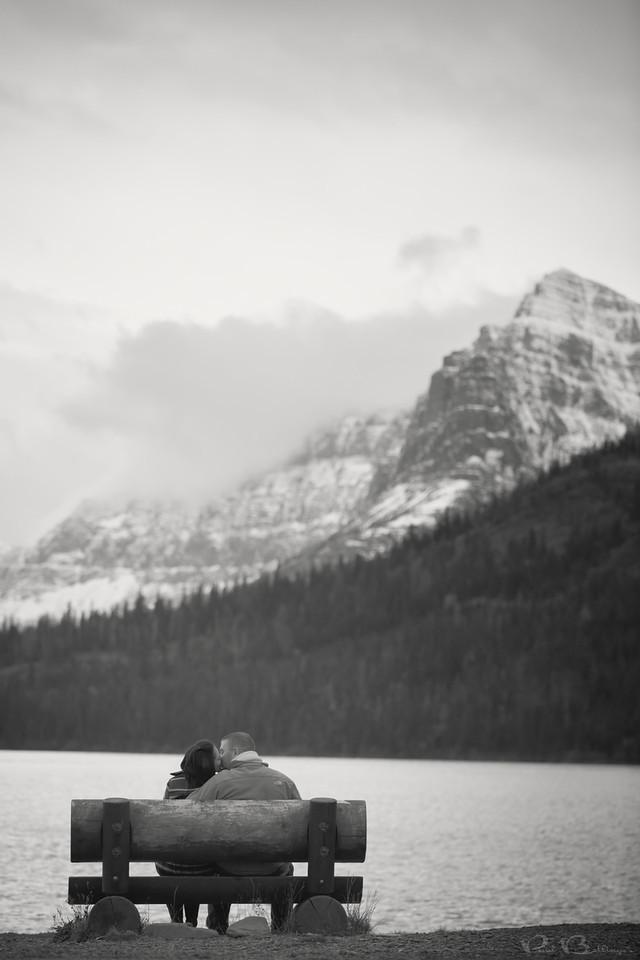 5DIII_20131017_6412-Edit, paul bellinger billings montana wedding photographer, kj bench vertical glacier engagement photo bw