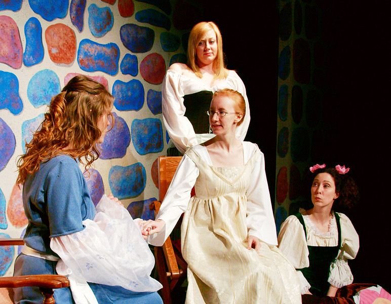 Princess Winsome consults with her ladies-in-wating: Bountiful, Bright and Blunder.<br /> Jessica MacLeod, Colleen Matthews, Diana Skrzydlo, Melanie Card.