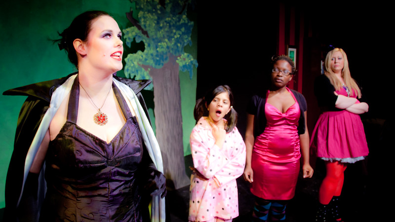 The Evil Step Mother comes up with an evil plan to regain her singing career at Cindy's expense -- by stealing Cindy's voice! -- and instructs her daughters to carry it out.<br /> <br /> Kate Leeming, Charvi Shah, Keriece Harris, Colleen Matthews.