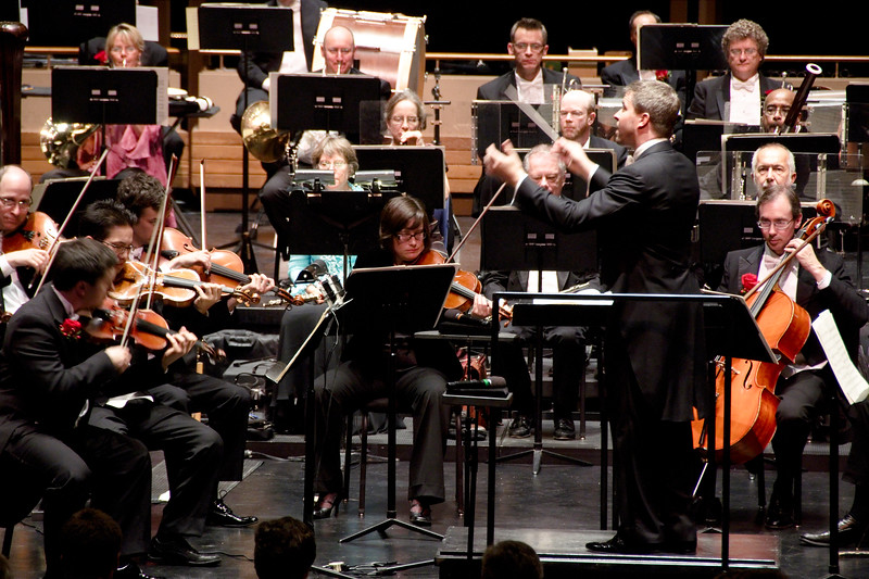 Music director Edwin Outwater conducts the Kitchener-Waterloo Symphony.
