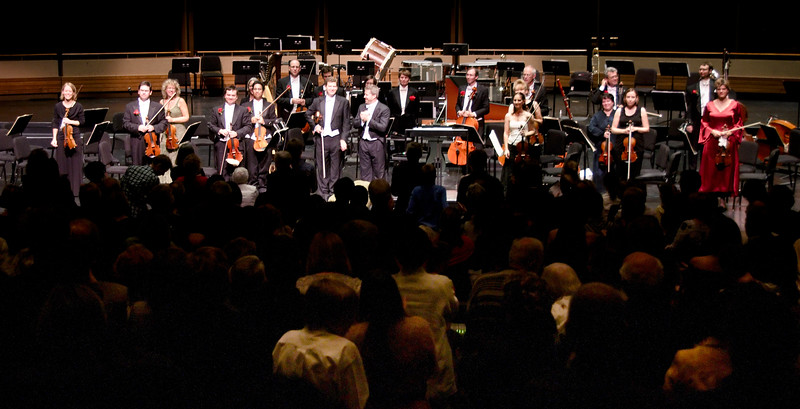 Guest solist James Ehnes receives a standing ovation with the Kitchener-Waterloo symphony conducted by Edwin Outwater.