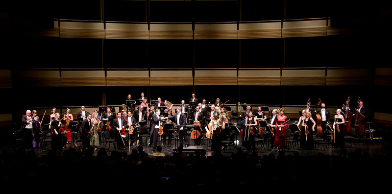 Guest solist James Ehnes and the Kitchener-Waterloo symphony conducted by Edwin Outwater receive audience accolades.