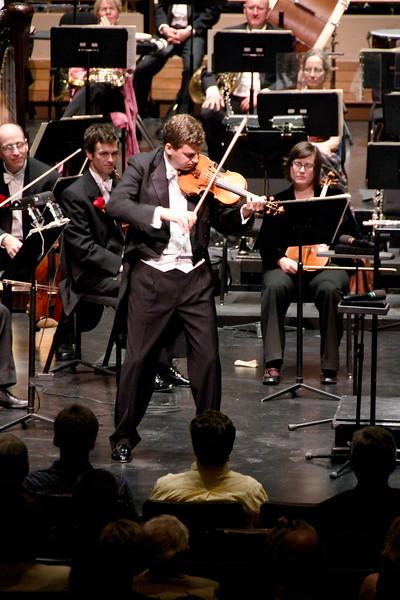 Guest soloist James Ehnes performs an encore.