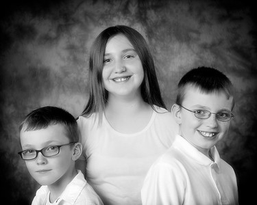 02 Karns Family - Austin Alyssa Alex (10x8) soft b&w