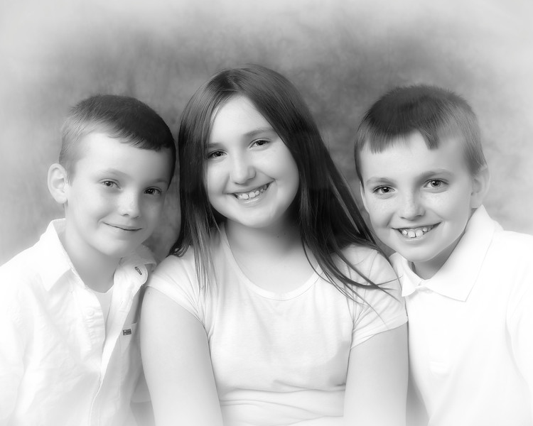 01 Karns Family - Austin Alyssa Alex (10x8) soft b&w
