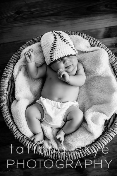 20160724_newbornLogan_0168