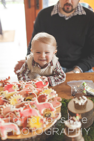 2015_0208_oliver1year_0512