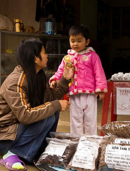 Mother and child Sa Pa, Lao Cai province, Vietnam
