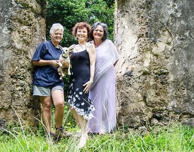 Ana, Lorraine & Pat KingKam4869PL