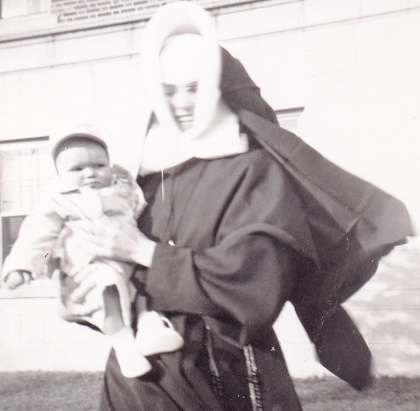 Who is with Sr Lucilla?