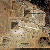 Comme on peut le voir la ville du Caire est arrivée au pied des pyramides du plateau de Gizeh