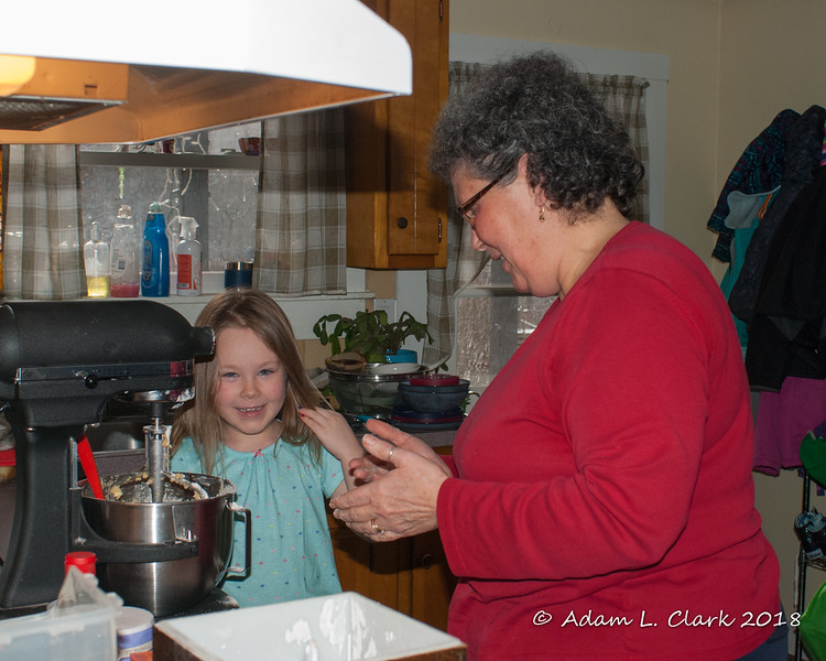 2018.12.24<br> Liliana and Grammy make chocolate chip cookies to leave for Santa