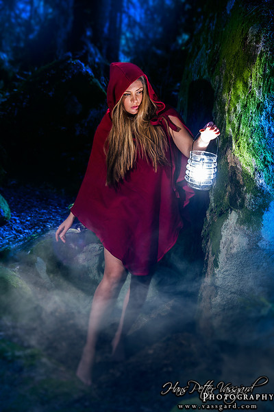 Model is Linnea The Red Riding Hood cloak is bought from SoulRole at Etsy.com