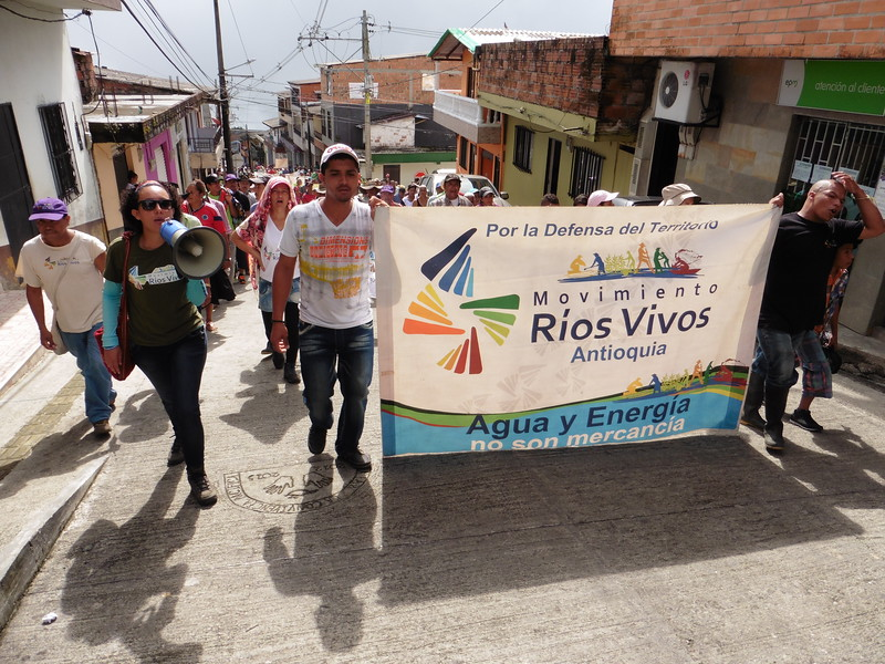 PBI accompanied the protesters during a goodbye-thank you march to the community of Valdivia, which supported them throughout their 20-day stay.