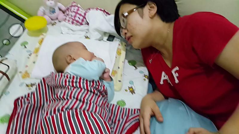 3 months old Lucas non stop conversations