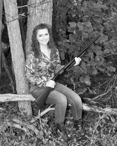 Lyndsi Mauck Senior 2015-1 bw (400 of 1)