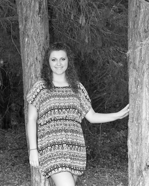 Lyndsi Mauck Senior 2015-75bw (400 of 1)