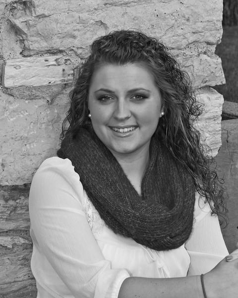 Lyndsi Mauck Senior 2015-157bw (400 of 1)