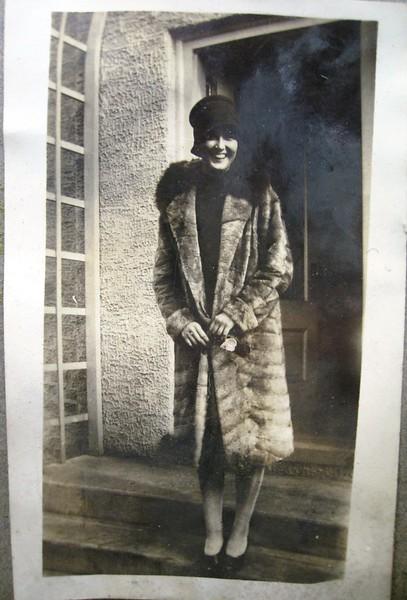 Female Fur Coat (05098)