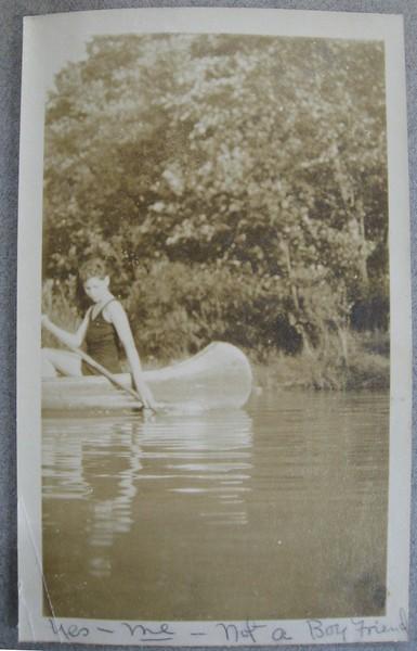Mayo Bass in Canoe (05079)